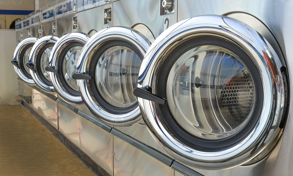Pros and Cons of Coin Laundry Equipment