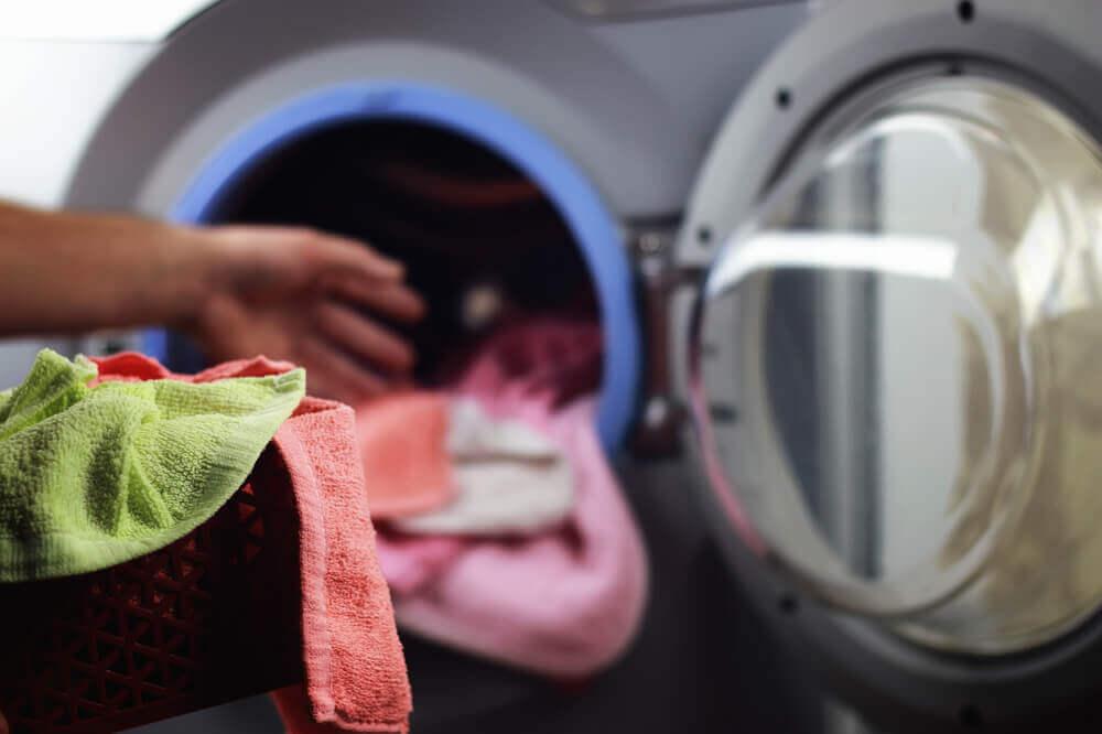 commercial laundry distributors
